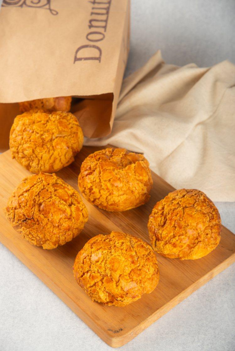 原味丹麥菠蘿在層層疊疊的酥皮裡,吃得手工感。圖/多那之提供