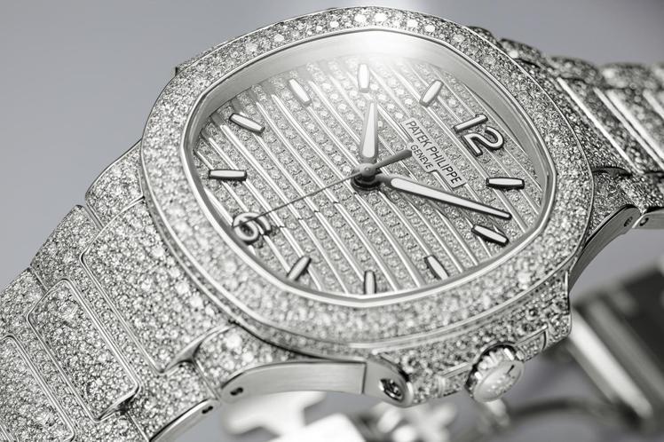 編號7118/1450G Nautilus高級珠寶腕表,白金雪花鑲嵌鑽石, 1,...