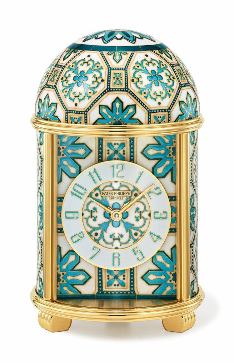 於百達翡麗日內瓦沙龍舉辦的2021珍稀工藝展,展出多件獨一無二工藝座鐘,此為編號...