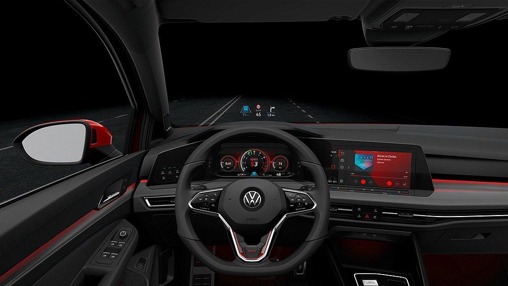 全新福斯Golf 8 GTI內裝除了蘊含各式GTI專屬配備,包含GTI 專屬的方...