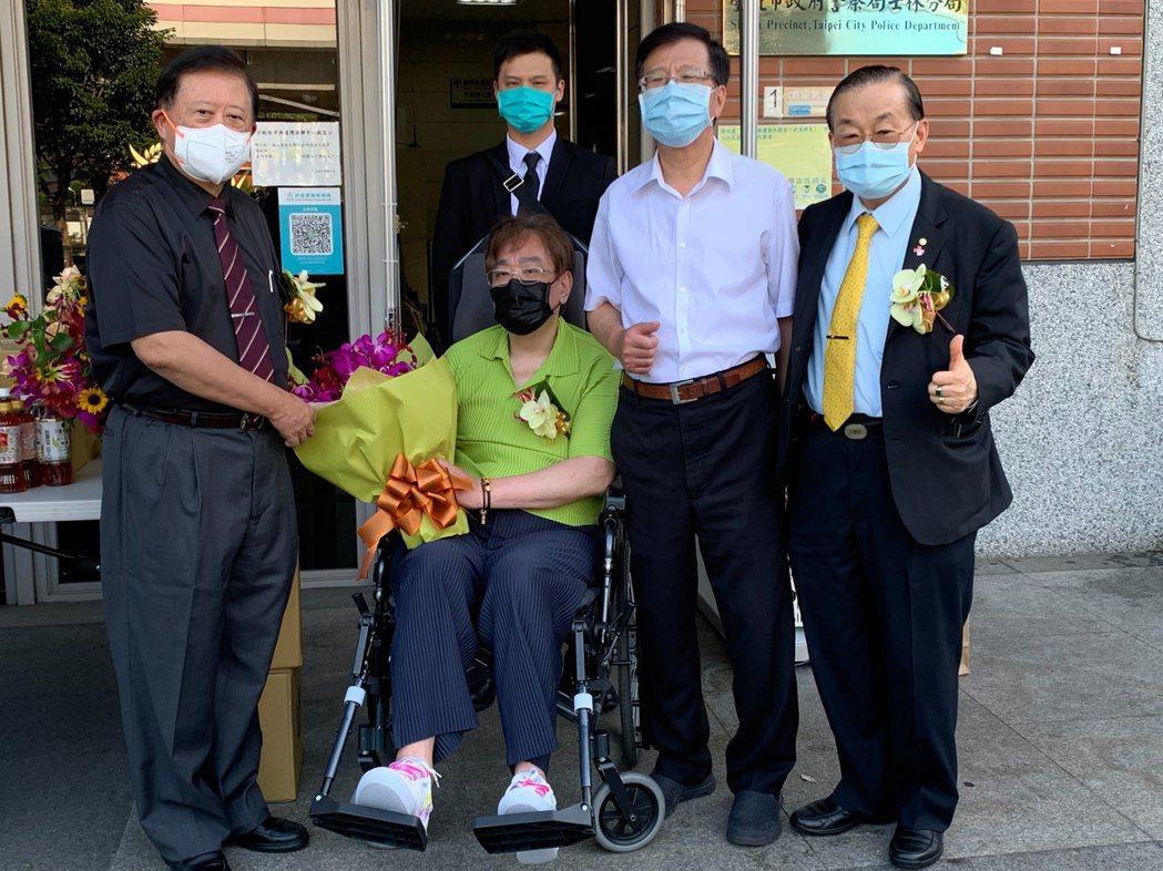 帝篁國際公益平台捐贈500套隔離衣和一套加護病房維生系統,予振興醫院和市聯醫陽明...