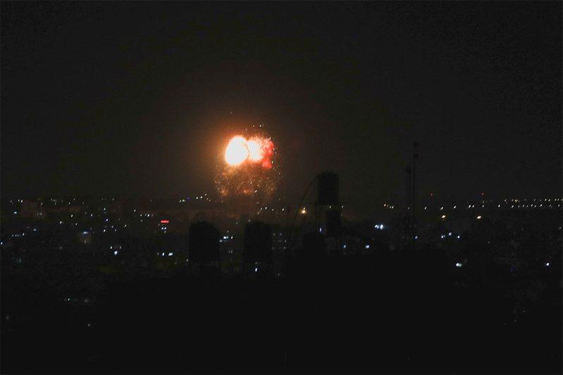 以色列對加薩地帶北部進行空襲。路透社