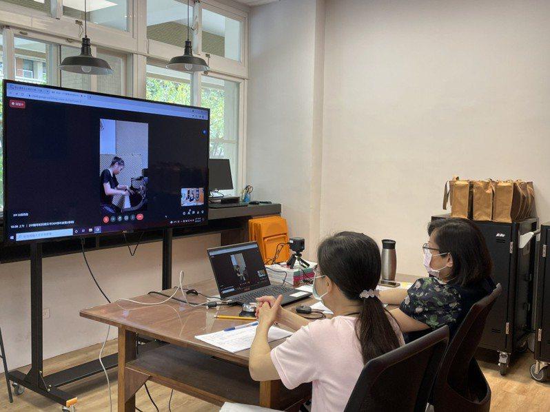 台南女中音樂班首次舉行線上術科測驗,仍有問題待克服與精進。記者鄭惠仁/攝影