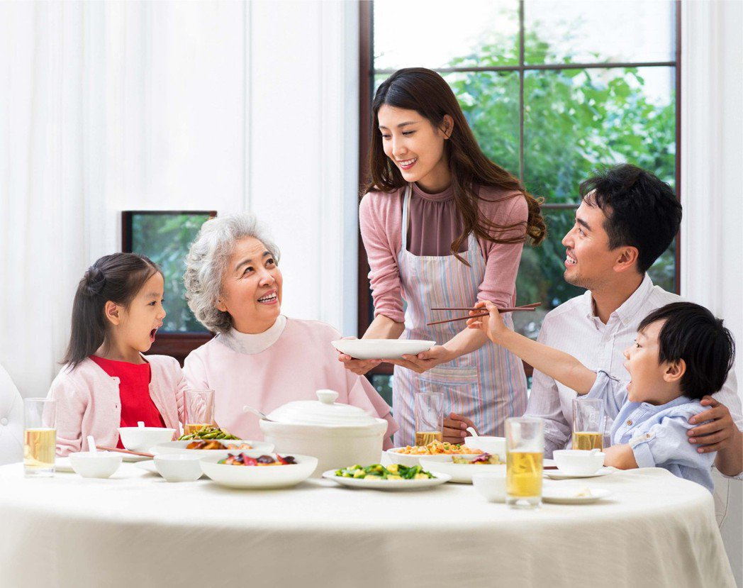 百仕可介護食提供進食安全、營養強化,能縮短備餐時間。業者提供