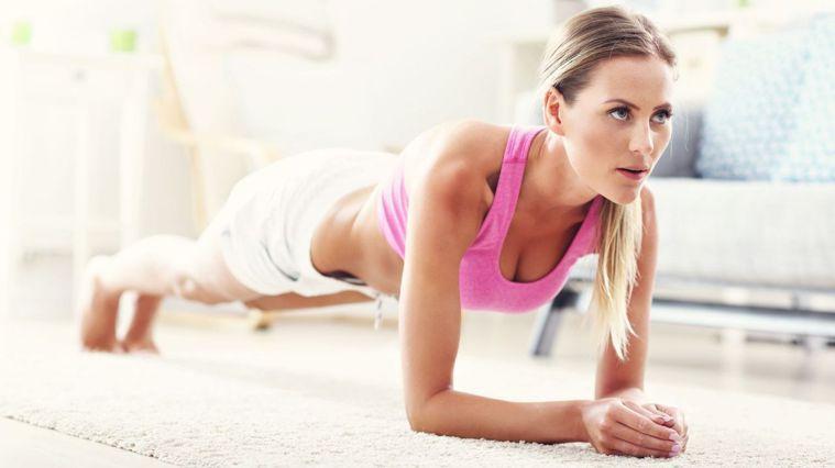 10分燃脂運動,訓練核心、平衡及肌耐力。圖/Canva