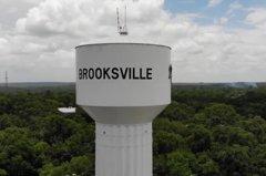 花百萬向市政府買房竟獲得一座「水塔」 男子嚇壞趕緊歸還