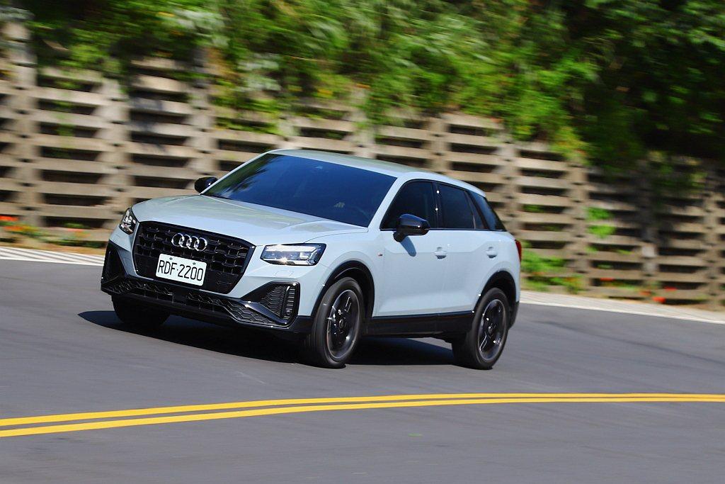 原以為只是一輛豪華跨界市場的競爭作品,沒想到Audi Q2 35 TFSI S ...