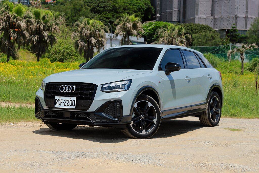 小改款Audi Q2在台灣市場提供5種車型可選,此次試駕主角為176萬的Audi...