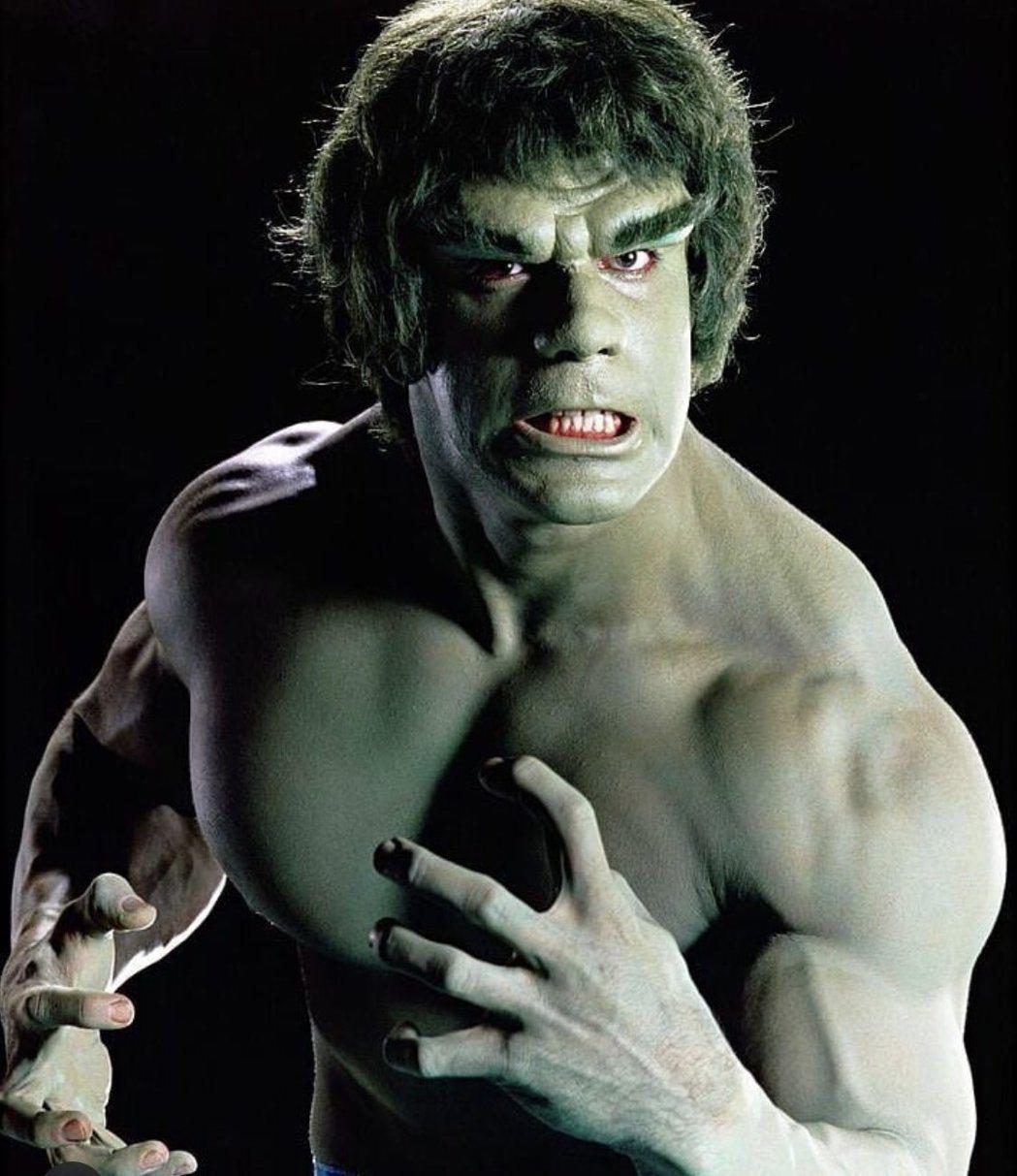 盧費里諾扮演浩克,全無電腦特效,身上的肌肉都是自己辛苦鍛鍊來的。圖/摘自twit...
