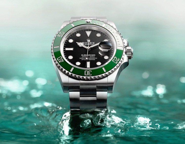 第三代的「綠水鬼」Submariner Date腕表,具有綠色陶瓷圈、鉑金刻度、...