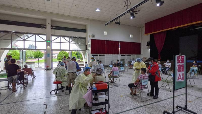 台南市後壁區公今天擴大接種疫苗。圖/公所提供