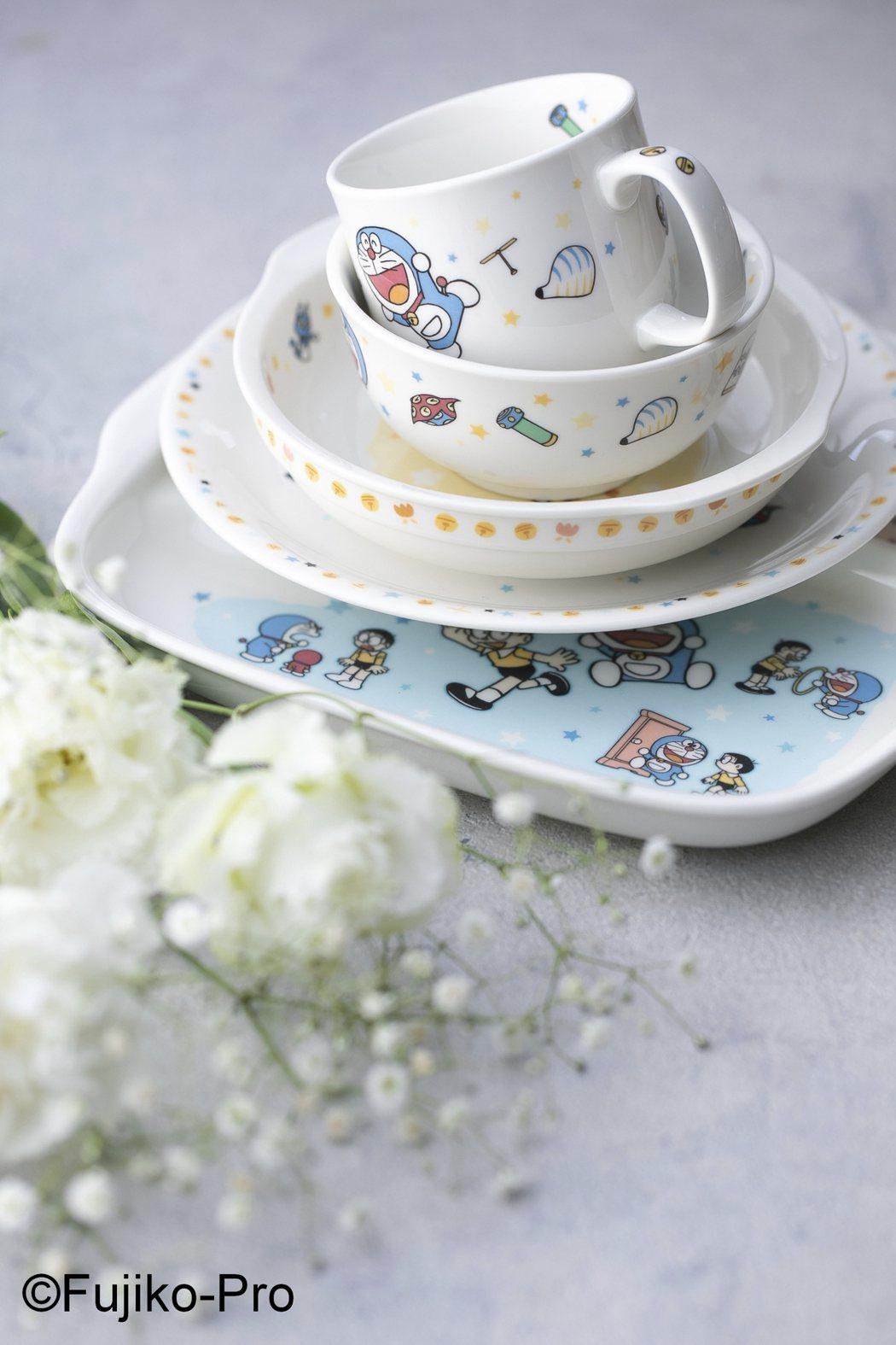 Noritake與哆啦A夢聯名的兒童餐具系列/360~3,200元。圖/旺代提供