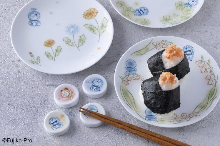 Noritake與哆啦A夢聯名的花卉系列/360~1,080元。圖/旺代提供