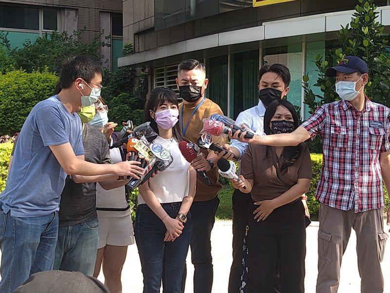 高嘉瑜出面說明選民服務始末。記者蔡青縈/攝影