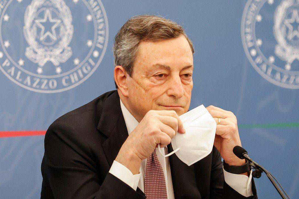 義大利總理德拉基疾呼民眾應完整接種新冠疫苗。歐新社