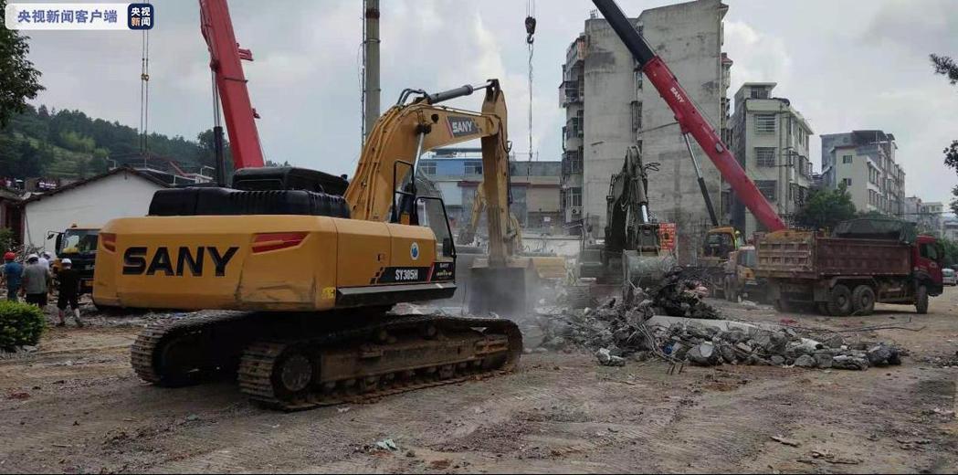 湖南汝城縣民房垮塌,已致5死7傷。央視新聞
