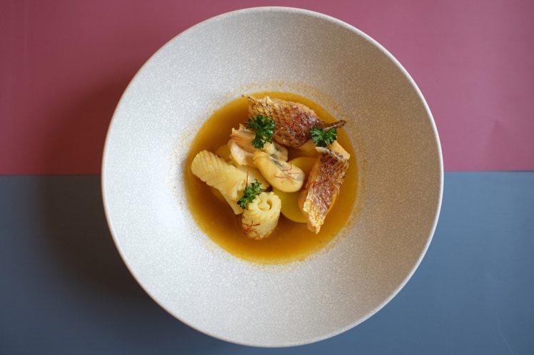 馬賽魚湯。圖/Sinasera 24提供