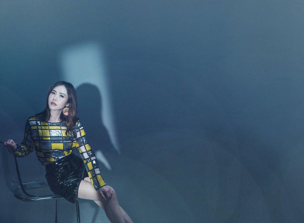 吳申梅釋出新歌「千里夢相思」MV。圖/音圓唱片提供