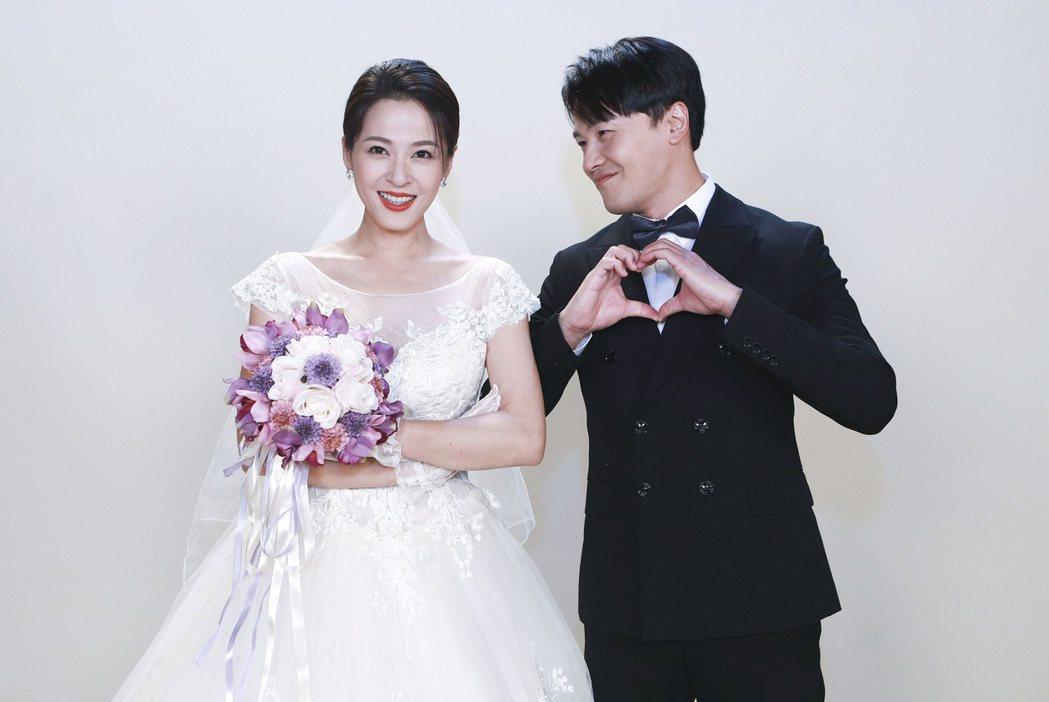 蘇晏霈(左)、黃文星在「多情城市」中拍婚紗照。圖/民視提供