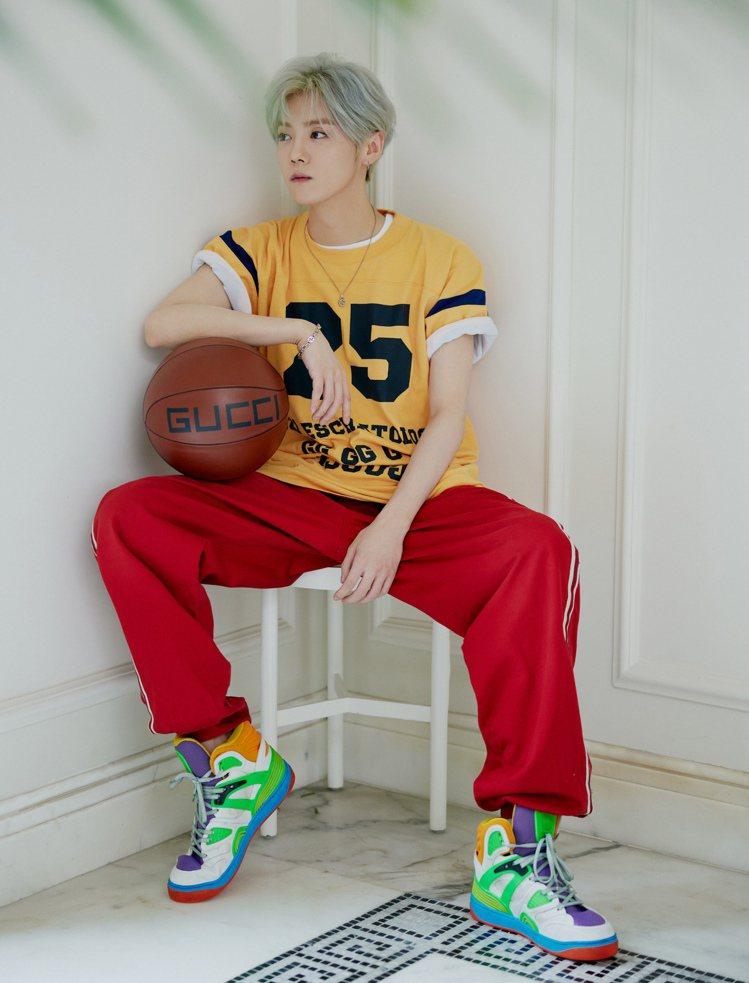 大陸男星鹿晗示範Basket系列運動鞋。圖/GUCCI提供