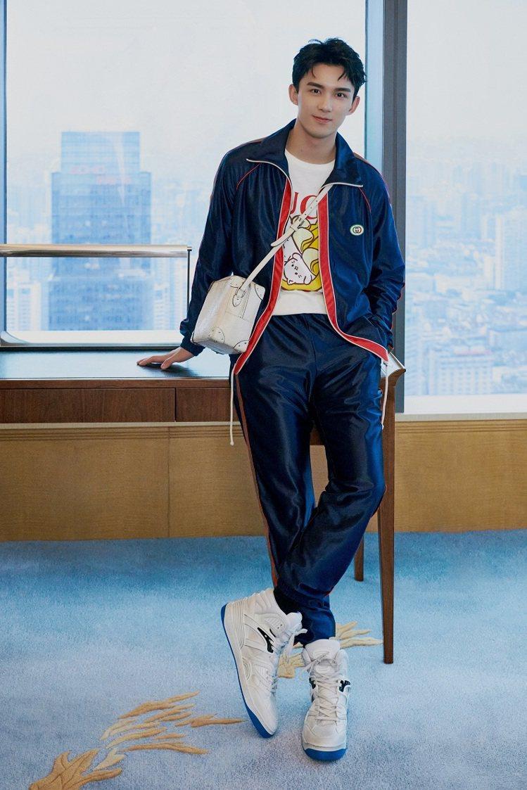 大陸男星吳磊示範Basket系列運動鞋。圖/GUCCI提供