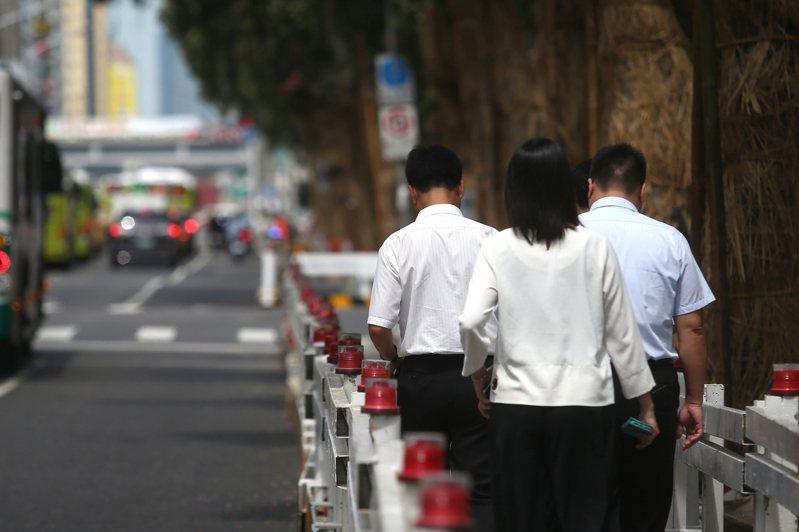 日前勞動部公布最新數據顯示,已有6383名勞工放無薪假,預料人數還會繼續增加,意味不少勞工又要被減薪了。此為示意圖。圖/聯合報系資料照片
