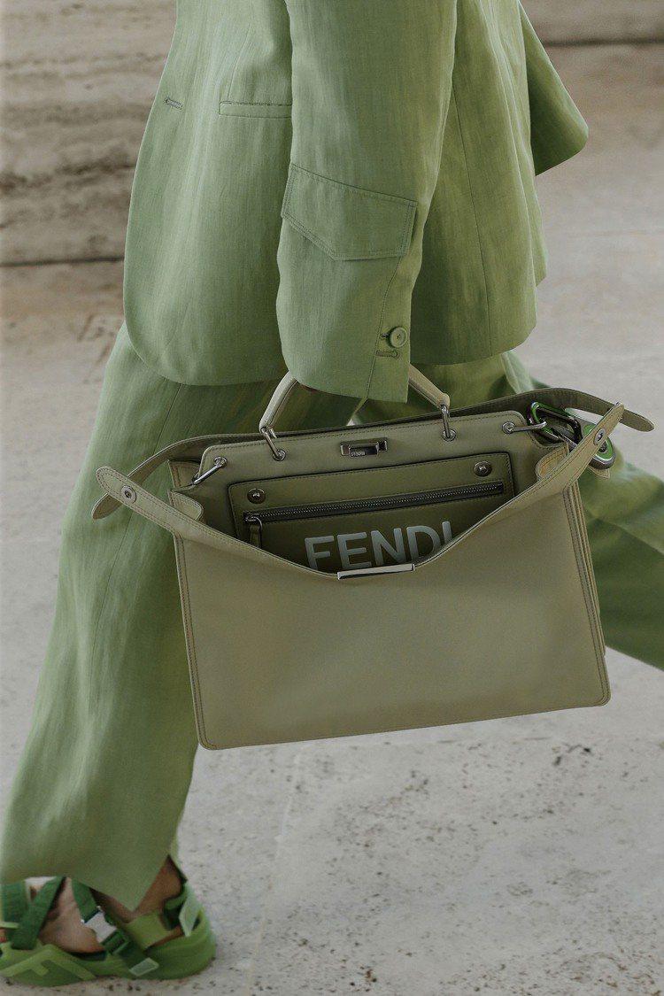 檸檬和萊姆、開心果綠等輕盈色彩,為春夏男裝帶來輕盈舒心的視覺。圖/FENDI提供