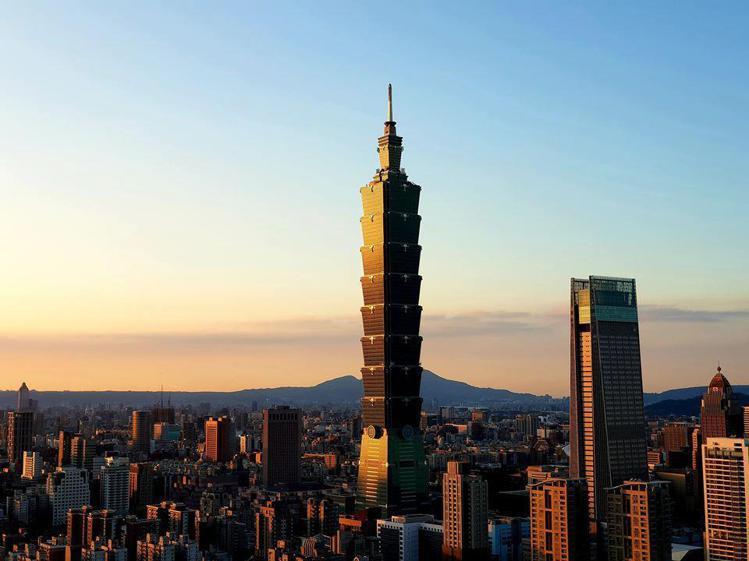 台北101今晚將點燈感謝美國捐贈疫苗援台。圖/摘自台北101粉絲團