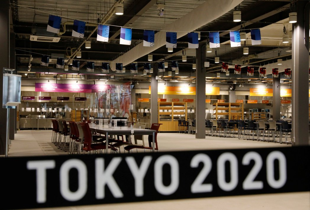 共同社全國電話民調顯示,超過八成受訪者擔心舉辦東奧使日本疫情擴大。圖為東京奧運選...