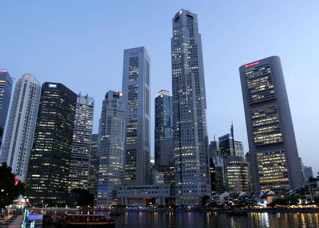 新加坡央行高級官員表示,今年來看到愈來愈多投資湧入金融科技公司,強調星國正設法邁...