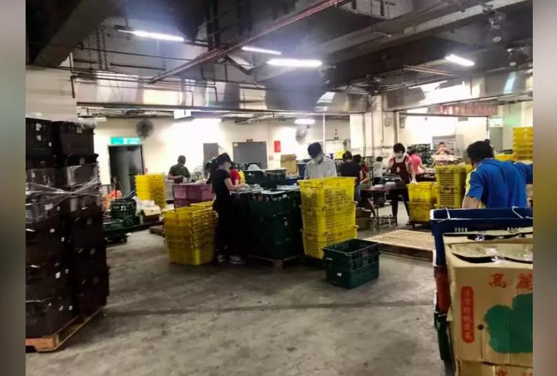北農已有20名員工染疫。另外,北市產發局今也證實,還有在批發市場、零批場攤位的承...