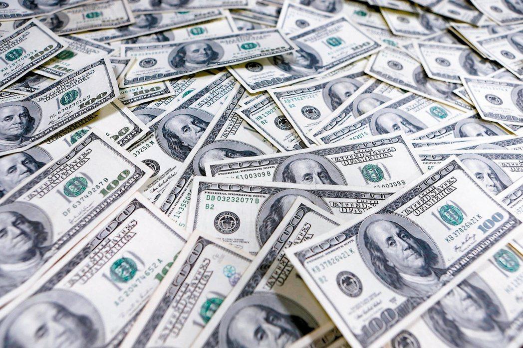 美國聯準會釋出鷹派訊息,金融市場擔心外資撤離新興經濟體,出現「縮減恐慌」。(本報...