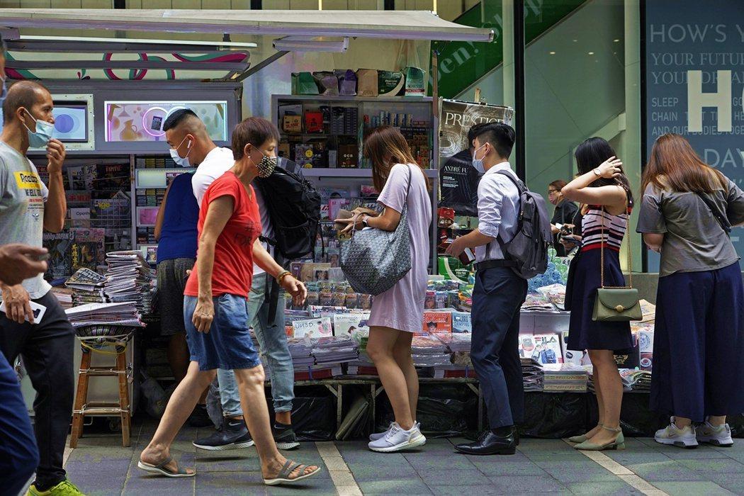 經濟分析師羅家聰也指出,這次遭凍結的1,800萬港元並不是《蘋果日報》的全部資產...