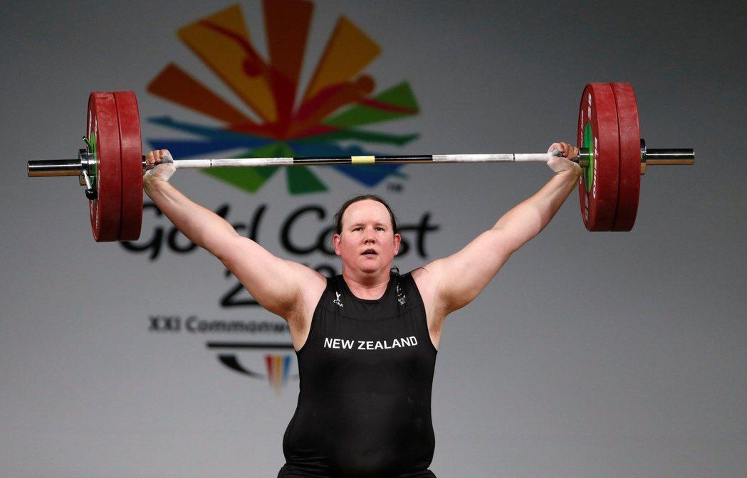 在20日,紐西蘭的跨性別舉重運動員勞瑞爾·哈伯德(Laurel Hubbard)...