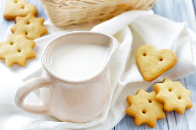 現在大賣場的牛奶種類越來越多,讓消費者想買牛奶時不知道怎麼選擇。圖/ingimage