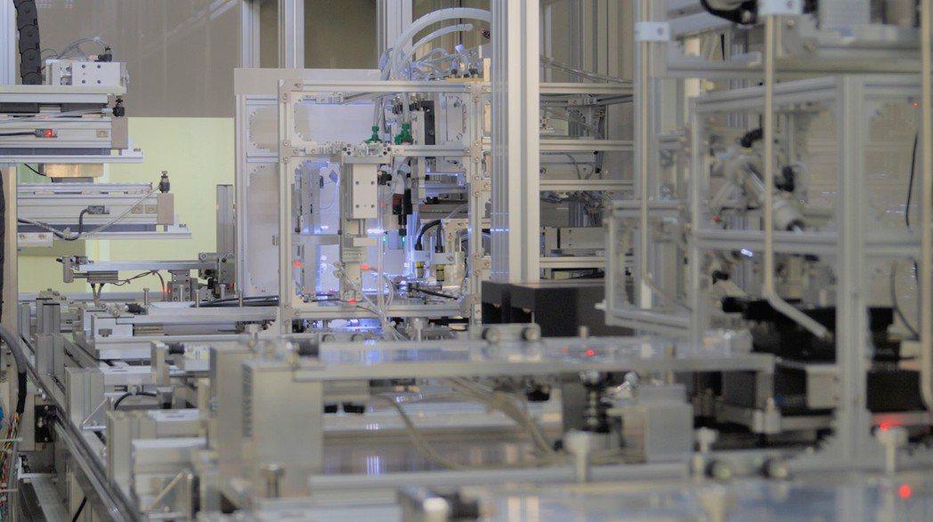 波克夏科技光纖線材自動化生產線。 波克夏科技/提供