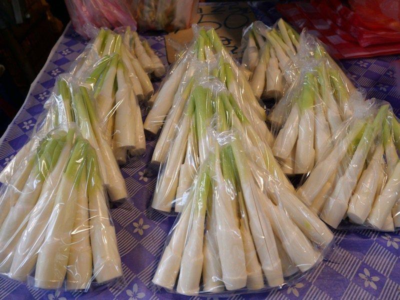 來自埔里,一斤台幣$100~120元的新鮮也很嫩的茭白筍(美人腿)。