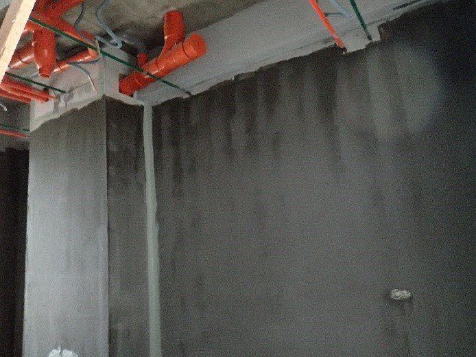 浴廁防水建議做到天花板上10cm較佳。