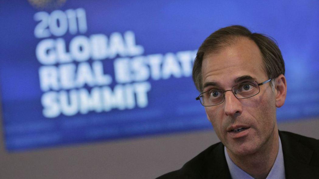 穆迪分析公司首席經濟學者詹迪(Mark Zandi)警告投資人,通膨與估值問題可...