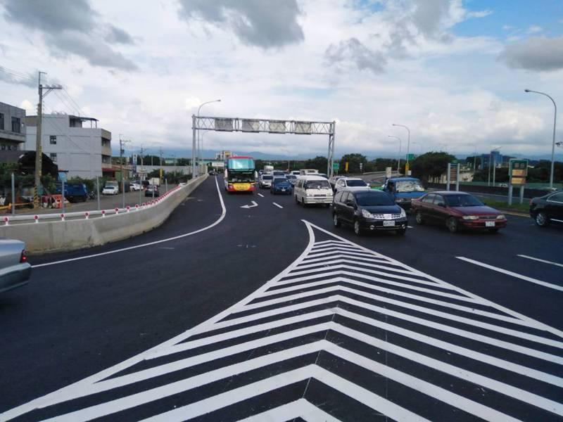 國道1號苗栗縣頭份交流道交通量大,縣政府辦理增設第二交流道可行性評估。圖/苗栗縣政府提供
