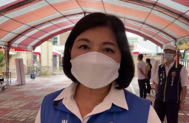 雲林縣長張麗善今天上午前往疫苗快打站視察施打情形。記者陳苡葳/翻攝
