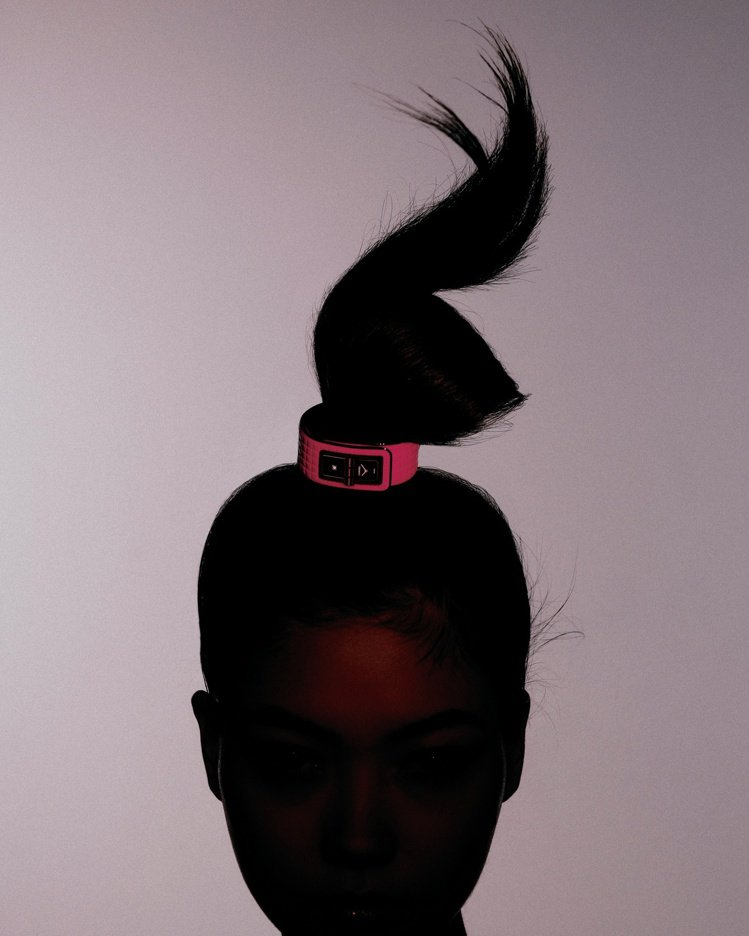 Code Coco Electro腕表,黑色ADLC類鑽碳處理精鋼表殼,搭螢光粉...