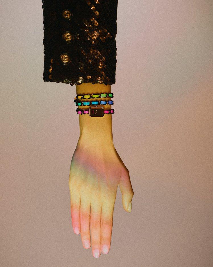 Première Electro腕表,黑色ADLC類鑽碳處理的精鋼表殼配螢光彩虹...