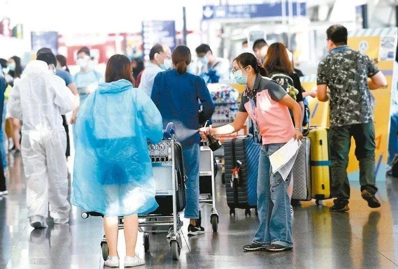 今年報名個人申請的僑生近7000人,比去年大增1686人,成長率達三成三;香港學生增加685人是大宗。本報資料照片