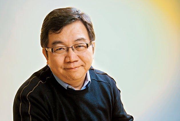 精神科醫師王浩威分享「作息睡眠」的好處。圖/華人心理治療研究發展基金會提供