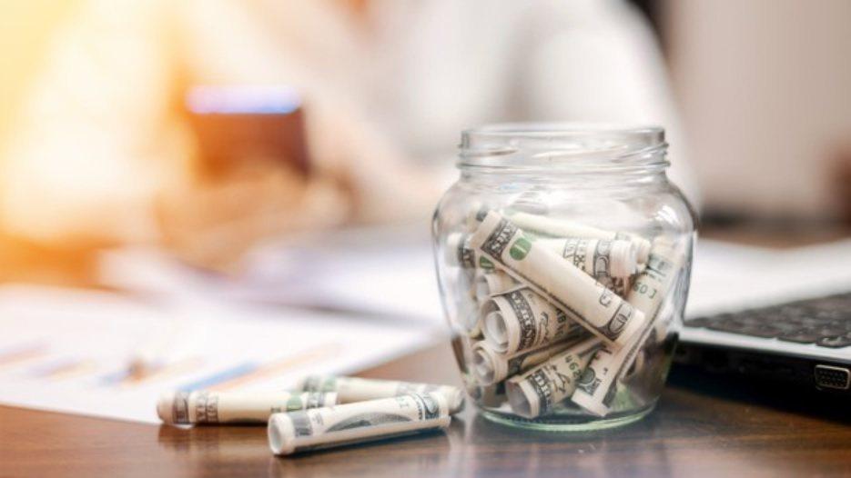 建議在準備退休金時,可以選擇收益雖然不高,但相對穩定的「公債ETF」 圖/fre...