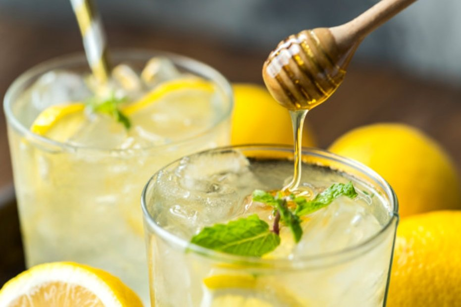 蜂蜜檸檬水很適合餐後或運動後飲用。 圖/freepik
