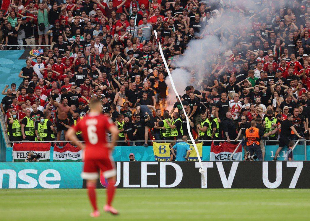 6月15日歐國盃,55,662位觀眾湧入布達佩斯普斯卡什球場,觀看匈牙利對葡萄牙之戰。 圖/路透社