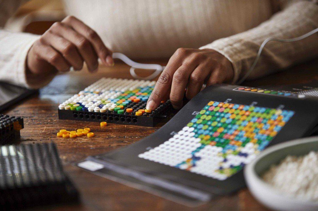樂高世界地圖,可隨自己的喜愛來拼湊。圖/樂高LEGO提供