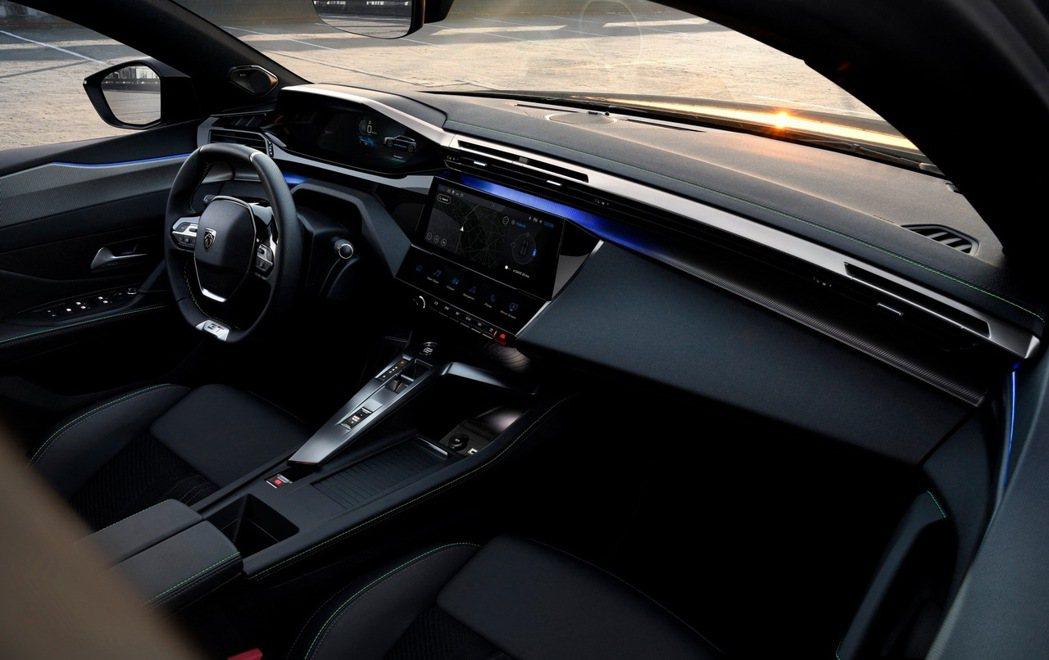 iCockpit座艙設計已經是Peugeot家族設計元素。 摘自Peugeot